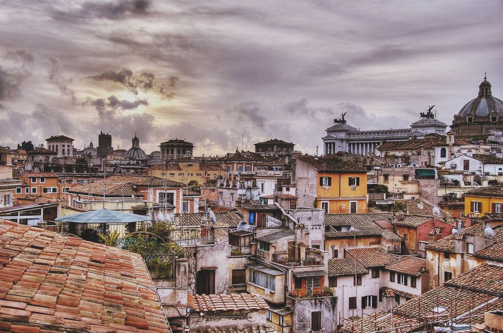 Rooftops of Rome, photographed by Nic Oatridge